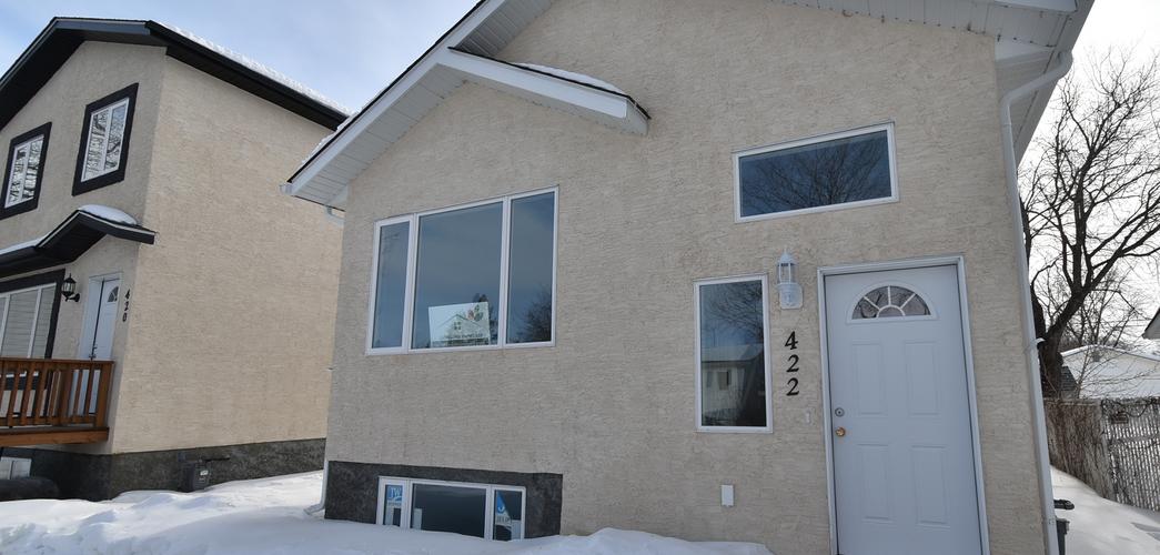 OPEN House 422 Robinson Ave.